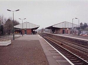 Stourbridge Junction railway station - Stourbridge Junction in 2000, looking north.