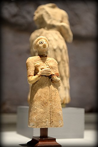 Sumerian religion - Statuette of a Sumerian worshiper from the Early Dynastic Period, ca. 2800-2300 BC
