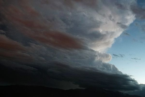 A supercell thunderstorm over Pikes Peak as seen from Palmer Park Supercell over Pikes Peak.jpg