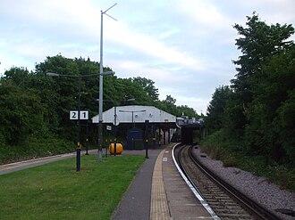 Sutton Common railway station - Image: Sutton Common stn southbound