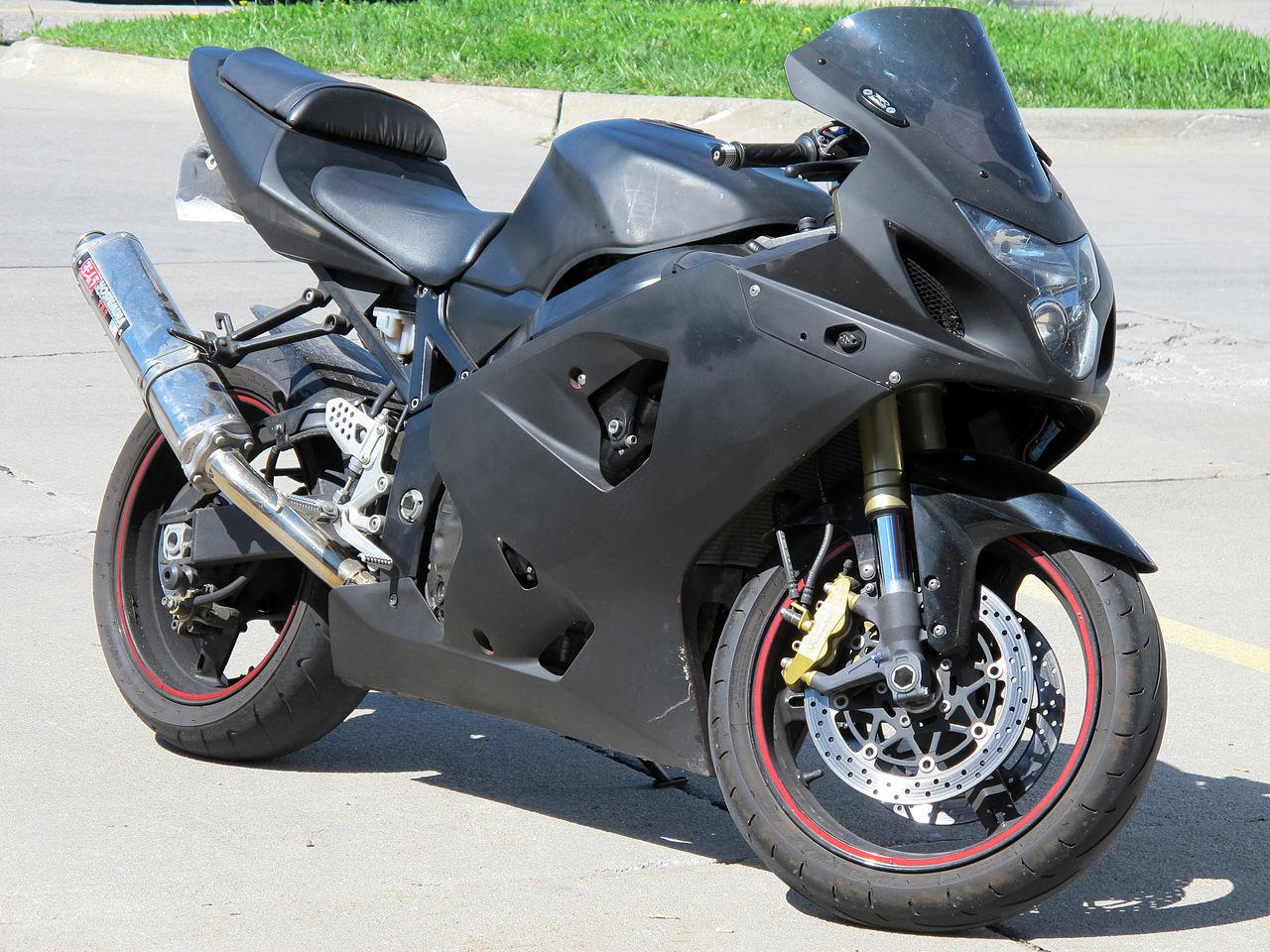 Black Suzuki Gsxr