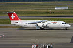 Swiss, HB-IYW, Avro RJ100 (19697837501).jpg