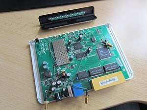TL-WR1043-ND V1 Open Case 8.jpg