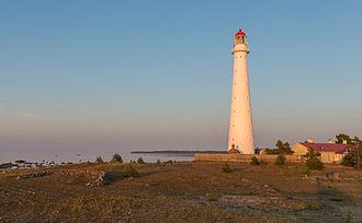 Hiiumaa - Image: Tahkuna tuletorn Hiiumaal, päikeseloojanguvalgu ses