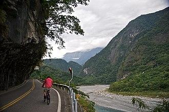 Taroko National Park - Image: Taiwan 2009 Hua Lien Taroko Gorge Biking FRD 5416 Pano Extracted