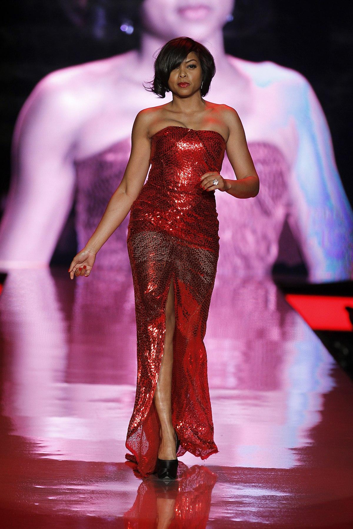 Fitxer:Young Woman in Red Dress.jpg - Viquipèdia, l