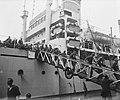 Te Amsterdam arriveert het schip Groote Beer met militairen uit Indië, Bestanddeelnr 902-7654.jpg