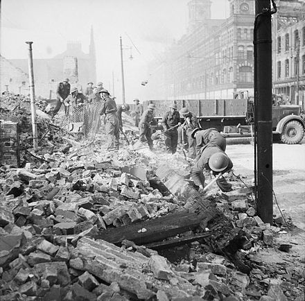 Soldiers clearing rubble after the May air raid The British Army in the United Kingdom 1939-1945 H9464.jpg