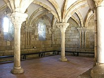 The cloisters, pontaut chapter house.JPG