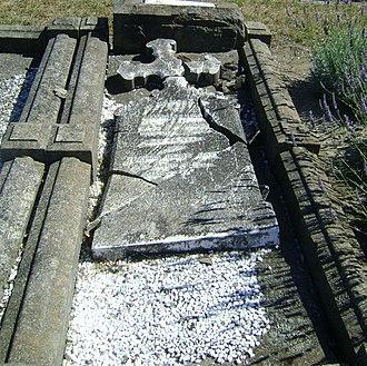 Thomas Davey (New Zealand politician) - Headstone for Thomas Davey