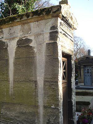 François-Louis Crosnier - View of the exterior of Crosnier's mausoleum at Montmartre Cemetery