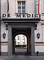 Toreingang de Medici Mühlenstraße 31 (Düsseldorf).jpg