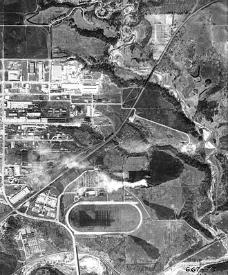 Thorncliffe Park - Aerial view of East York in 1942, with Thorncliffe Park Raceway visible to the south (bottom). The race track operated from 1917 to 1953.