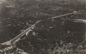 Prince Edward Viaduct - The Rosedale Valley phase (at left) and the Don Valley phase (at right) of the Prince Edward Viaduct system