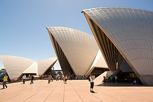 Tourists and Sydney Opera Hosue