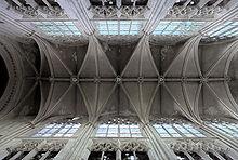 Tours - Cathédrale Saint-Gatien - voûtes de la nef.jpg