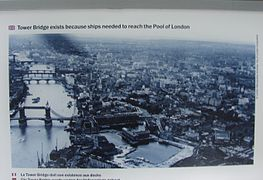 Tower Bridge, London Old photo.jpg