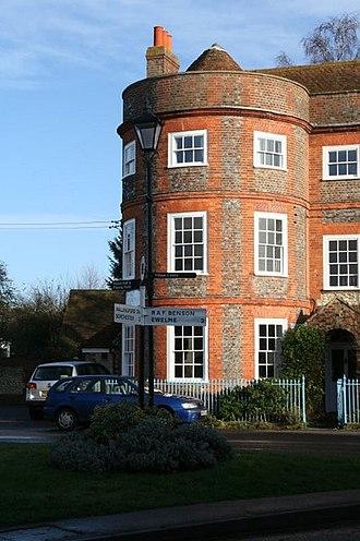 Benson, Oxfordshire - 13 Castle Square, a mid-18th-century house