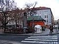 Tylovo náměstí, bývalé záchodky, pizzerie (01).jpg