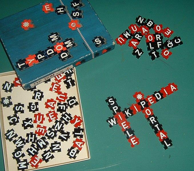 Description Typdom, Buchstabenspiel in Kreuzwortmanier, alte Ausgabe von etwa 1930 Date May 2008 SourceOwn work Author Peng (talk) 13:40, 16 June 2008 (UTC)