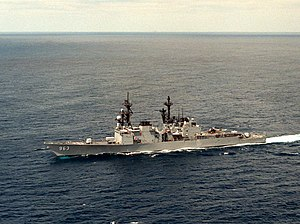 USS Spruance (DD-963) underway on 20 November 1986 (6416412).jpg