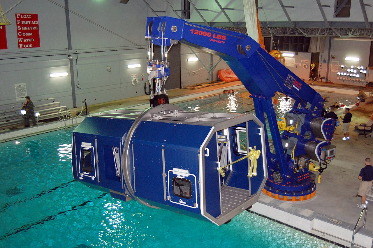 File Us Navy 090428 N 7689p 002 The New 9d6 Modular Egress Training System At Aviation Survival