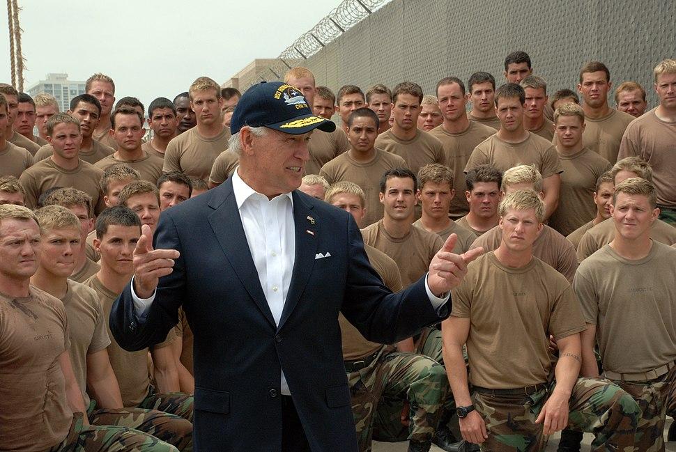 US Navy 090514-N-4451V-548 Vice President Joe Biden meets with Basic Underwater Demolition-SEAL (BUDS) students at Naval Amphibious Base Coronado