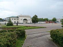 Ulyanovskiy Avtozavod UAZ-ĉefa entrance.jpg