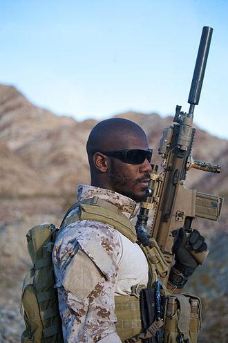 FN SCAR - U.S. Navy SEAL with a SCAR-H STD (Mk 17).