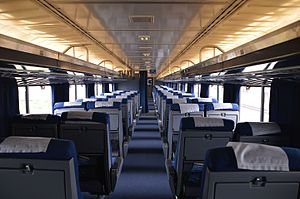 Superliner (railcar) - The interior of the upper level of Superliner I coach No. 34960. This coach was rebuilt in the 2000s for use in California service and has expanded seating.