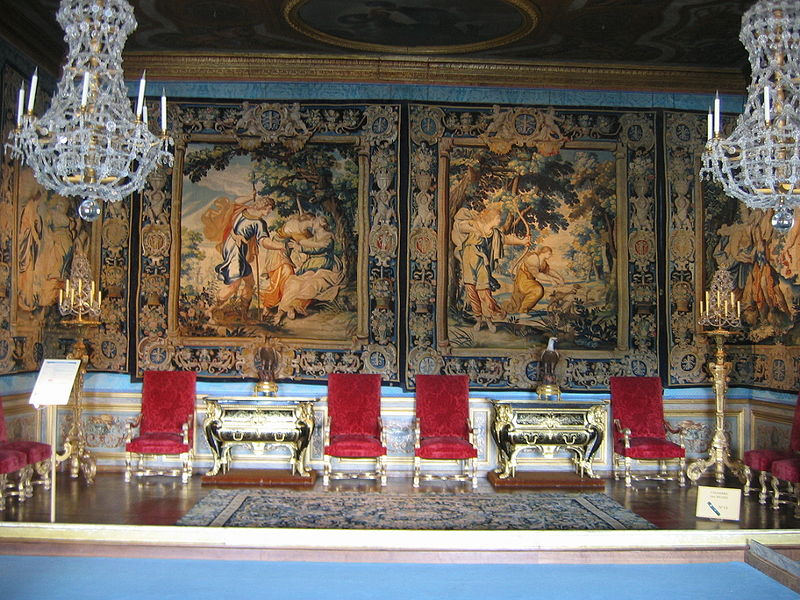 http://upload.wikimedia.org/wikipedia/commons/thumb/2/2c/Vaux_chambre_muses.jpg/800px-Vaux_chambre_muses.jpg