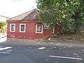 Veszprém 2016, piros ház a Dózsa György utca 7 és 9 között.jpg