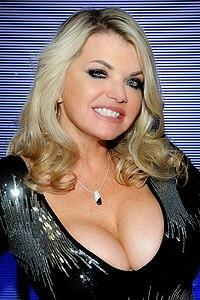 Vicky Vette 2015.jpg