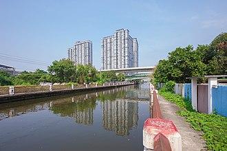 Phasi Charoen District - Khlong Phasi Charoen in the phase near Bang Wa BTS station