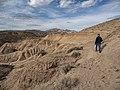 Visitor hiking Lake View Trail near Katherine Landing (15c577da-cce7-4057-9c85-9b077a6f2358).jpg