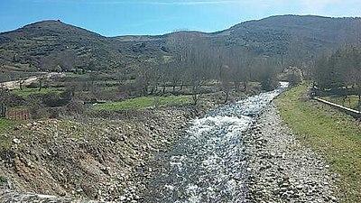 Vistas del río Tirón desde el puente de Fresneda de la Sierra Tirón.jpg