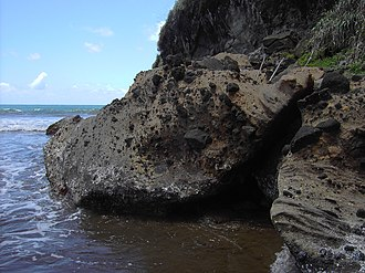 Geography of Dominica - Volcanic rock at Pagua Bay, Dominica