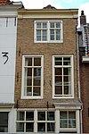 foto van Huis met smalle lijstgevel