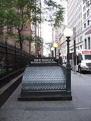 Wall Street (IRT Lexington Avenue Line) - Downtown entrance at Trinity Church