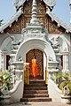 Wat Chetiwan (11900090615).jpg