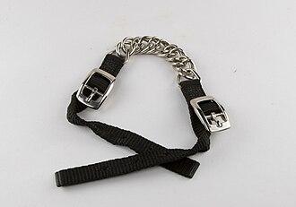 Curb chain - A curb chain for a western-style bit