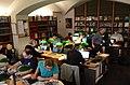 Wikipediens-biblioth Mbalyon 2.jpg
