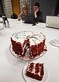 Wikipiątkowa 18-ka Wikipedii z wikipedystami w tle.jpg