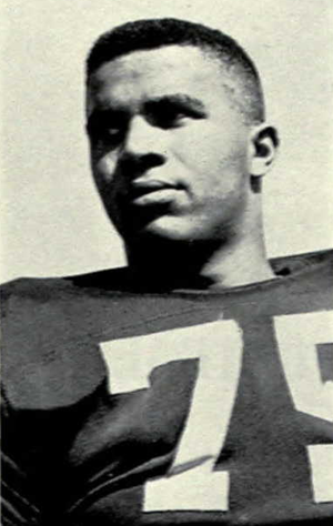 Willie Smith (offensive tackle, born 1937) - Smith in 1958