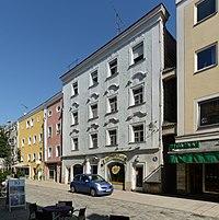 Wohn- und Geschäftshaus Theresienstraße 19 (Passau) b.jpg