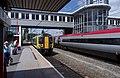 Wolverhampton railway station MMB 01 350120 390044.jpg