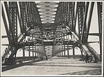 Workmen on the Harbour Bridge, 1932 (8283765426).jpg