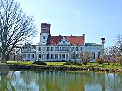 Wrodow Schloss castle Kunstschloss Front.JPG