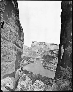 Yampa River - old No. 87. Similar to No. 699 - no negative on file., 1871 - 1878 - NARA - 517742.jpg