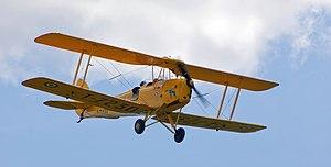 Česky: Vrtulový dvouplošník Tiger Moth English...